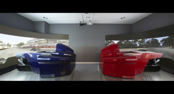 Závody Formule 1 - dva simulátory...