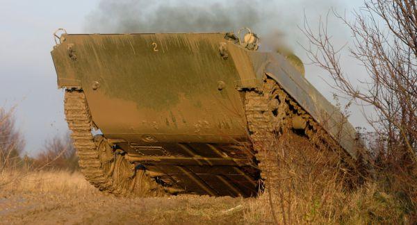 Jízda v BVP + střelba z Kalašnikova